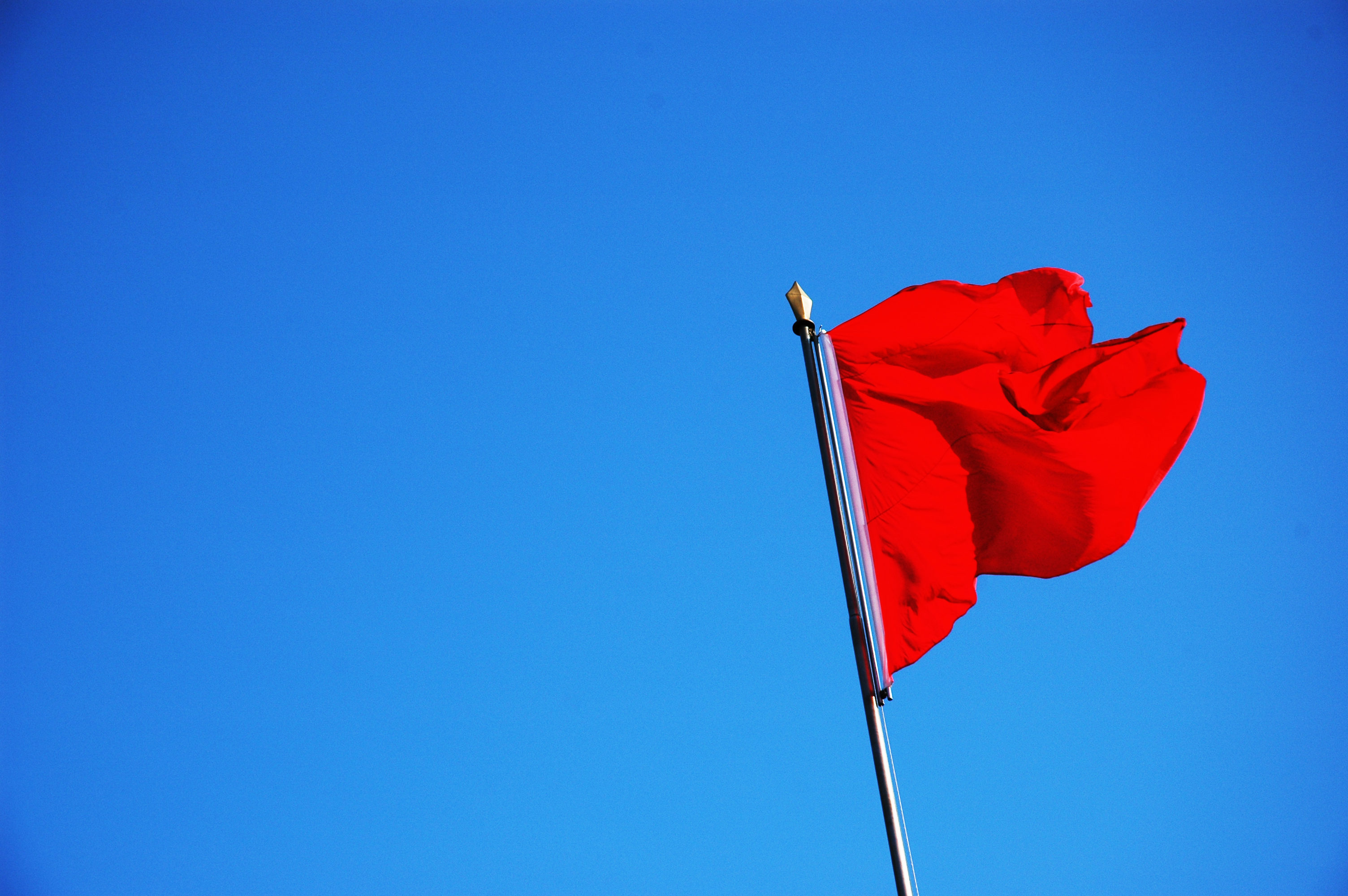 Red flags to look for when dating a new person